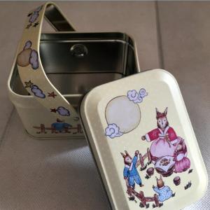 fashion-handle-design-square-gift-box-03