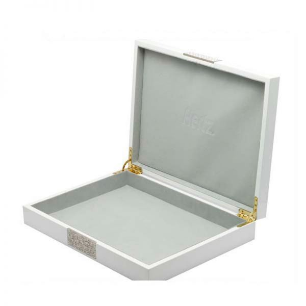 glossy-white-wooden-jewelry-box-with-metal-plate-02