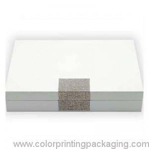 glossy-white-wooden-jewelry-box-with-metal-plate-03